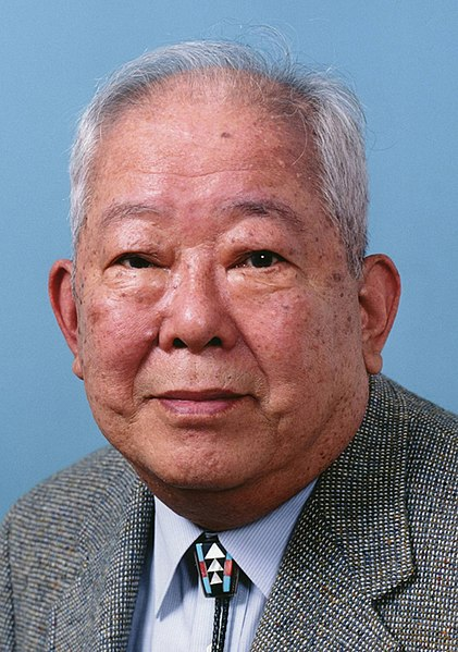https://commons.wikimedia.org/wiki/File:Masatoshi_Koshiba_2002.jpg